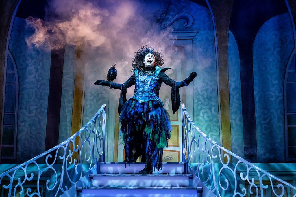 sleeping_beauty-york_theatre_royal-desginer_anthony-_lamble-photo_robling_photography-09
